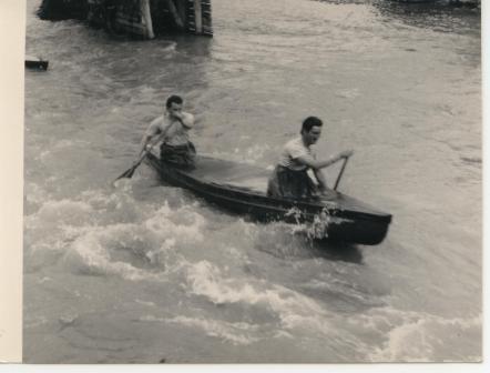 Rychlostní jízdy na kanoích C2